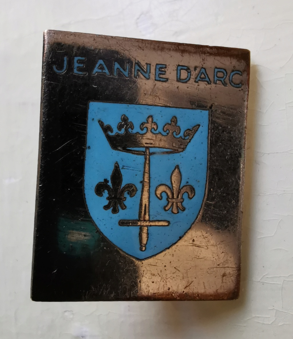 Insigne croiseur Jeanne d'Arc Img_2254