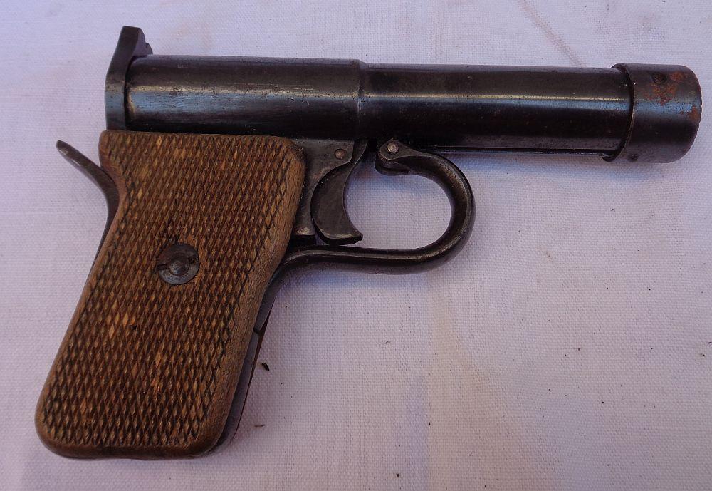 Pistolet à plomb ?  Dsc01523