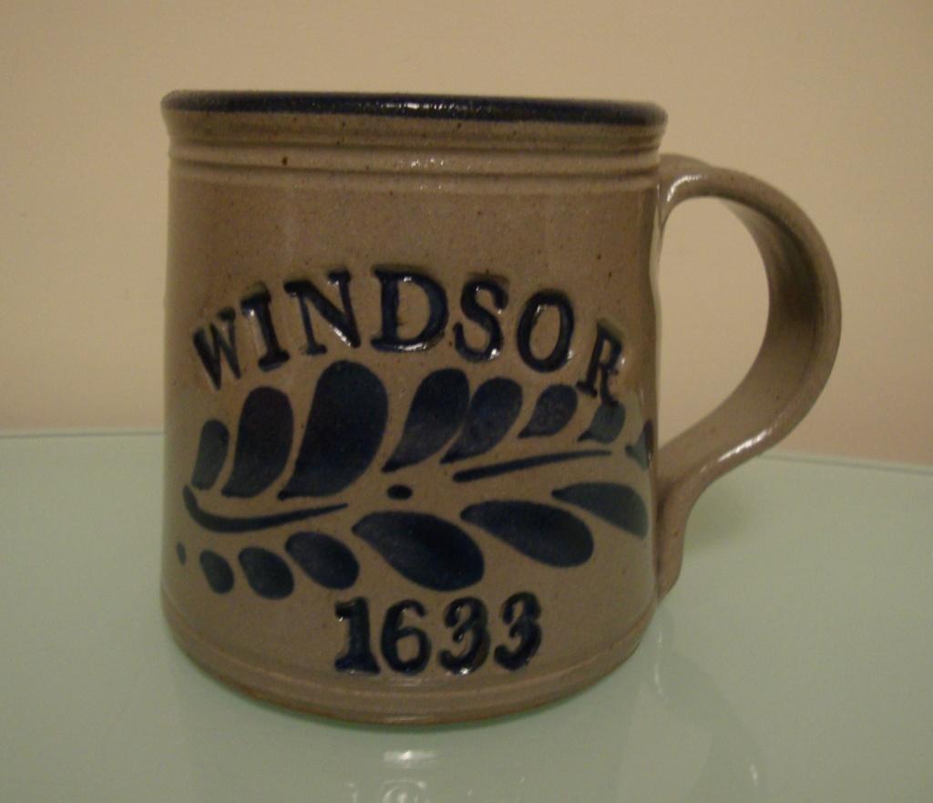 Stoneware mug ident 00212
