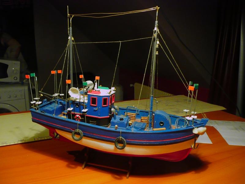 bateau de pèche Atlantis année 1960 env.... P1040910