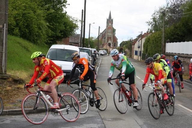 8 mai course sur route a pertain 59986110