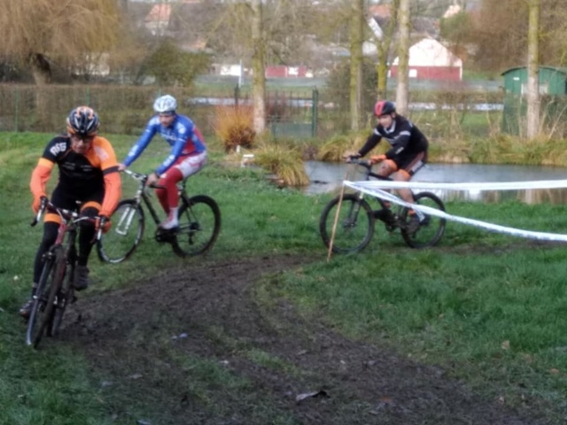 cyclo cross rouy le petit 79004310