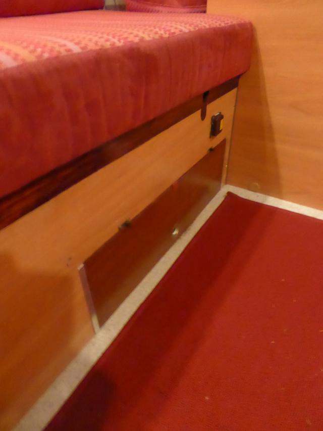 L'encombrante et lourde table de la super-puck P1150114