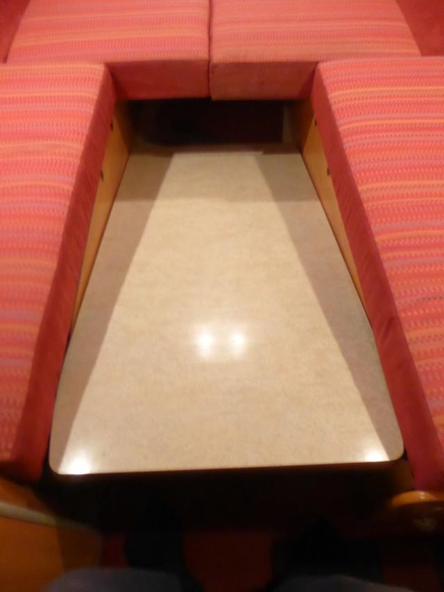 L'encombrante et lourde table de la super-puck P1150116