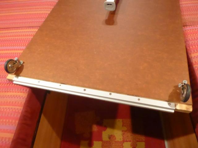 L'encombrante et lourde table de la super-puck P1150118