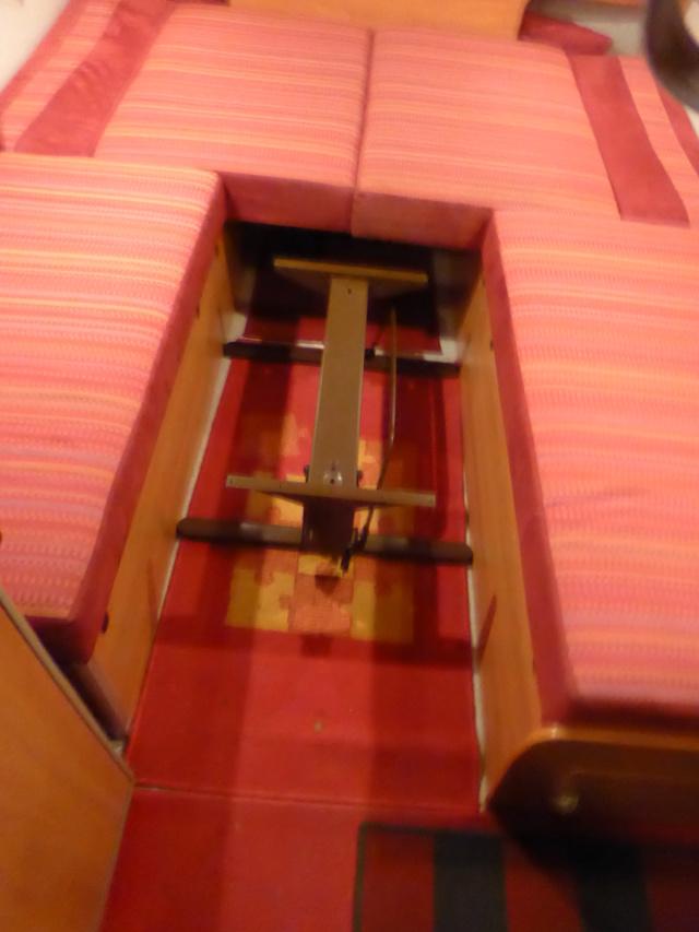 L'encombrante et lourde table de la super-puck P1150125