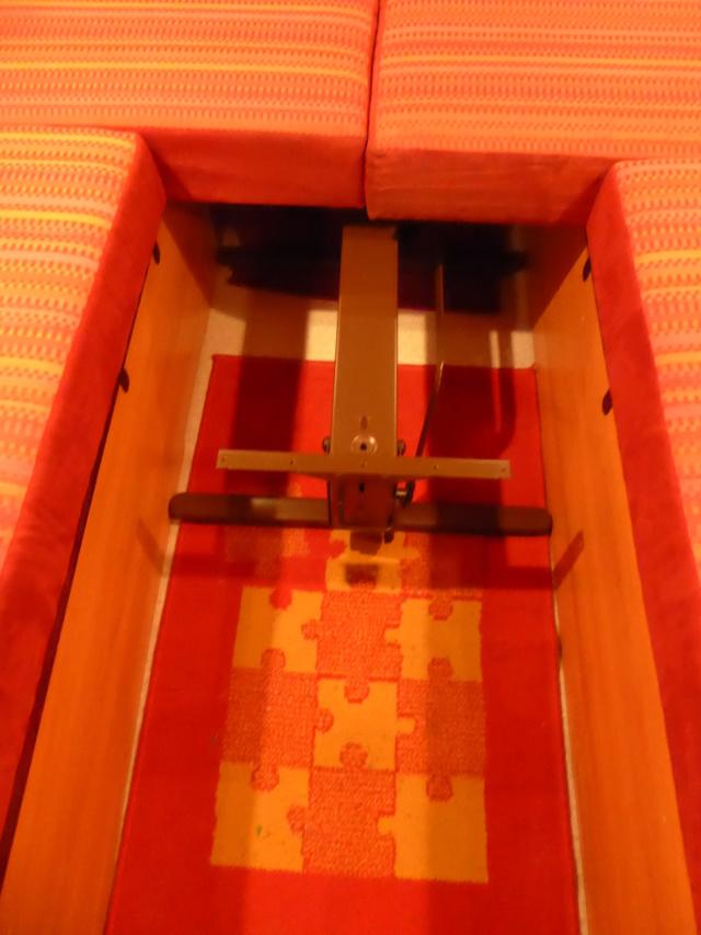 L'encombrante et lourde table de la super-puck P1150126