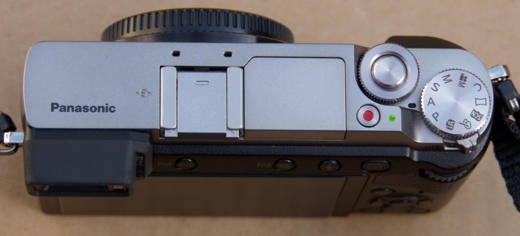 Vends Panasonic GX80 Silver Nu Garanti P1020811