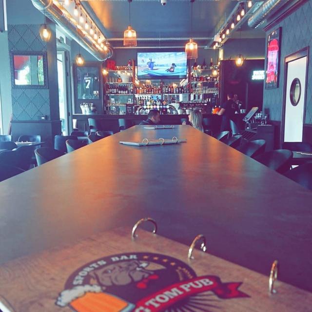 Big Tom Pub 66284610