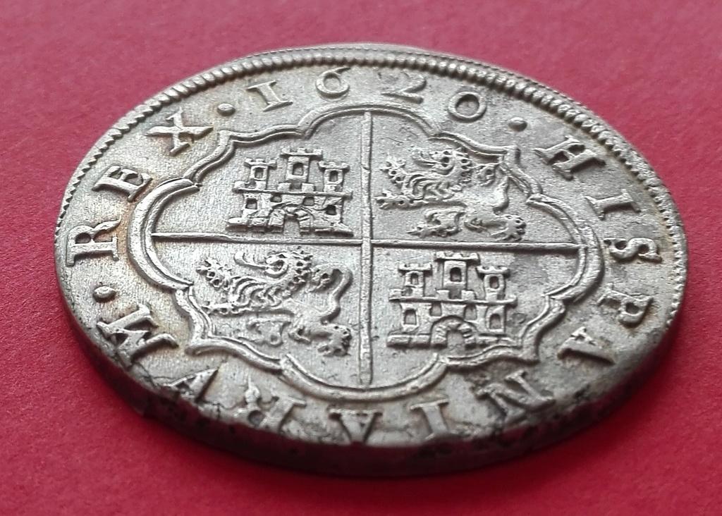 8 Reales de Felipe III de 1620 acuñados en el Real Ingenio de Segovia. Lance dedit. 8_real21