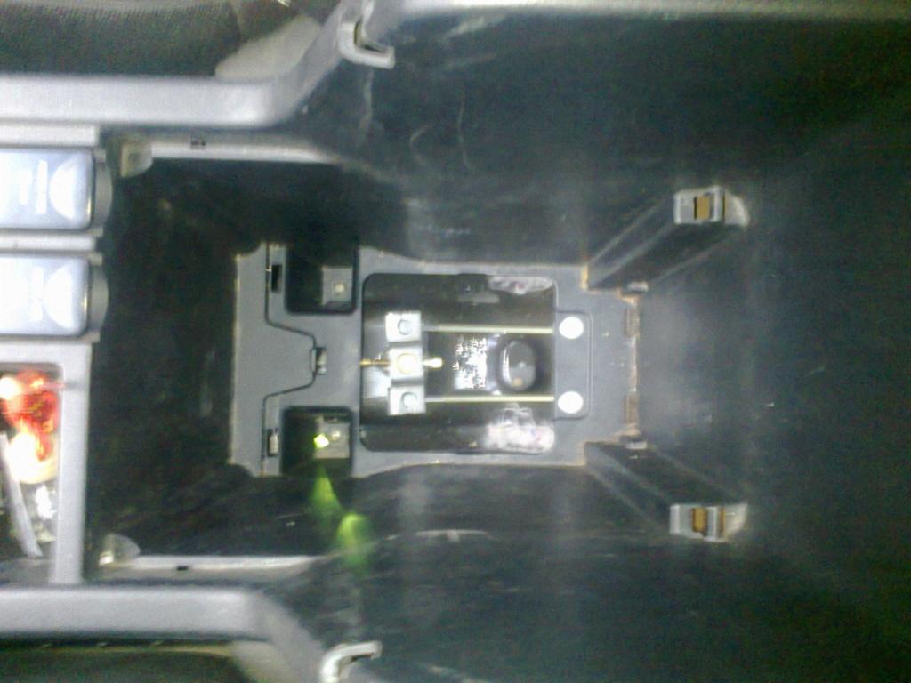 Регулировка стояночного тормоза. Ia332911