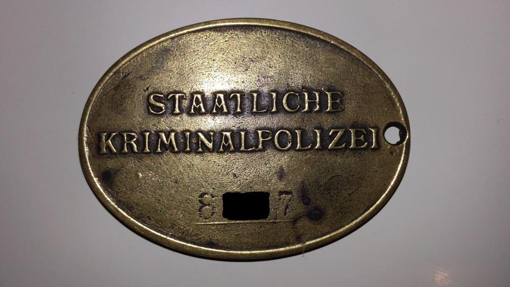 PLAQUE DE POLICE ALLEMANDE SECONDE GUERRE Verso_10
