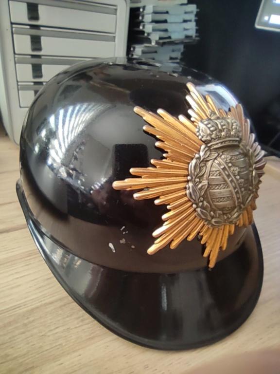 Bombe de casque a pointe ersatz noir Img_2013