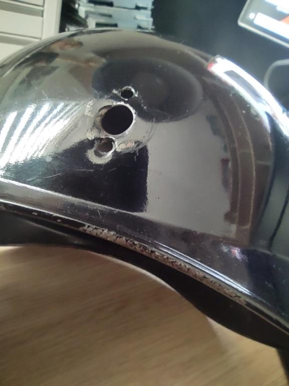 Bombe de casque a pointe ersatz noir Img_2016