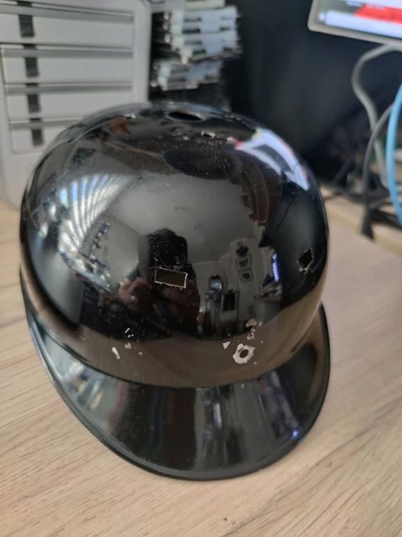 Bombe de casque a pointe ersatz noir Img_2017