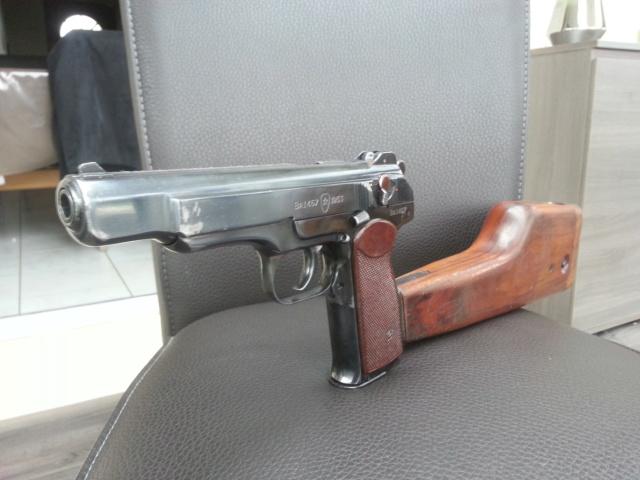 Présentation pistolet Stechkin APS 9x18  112