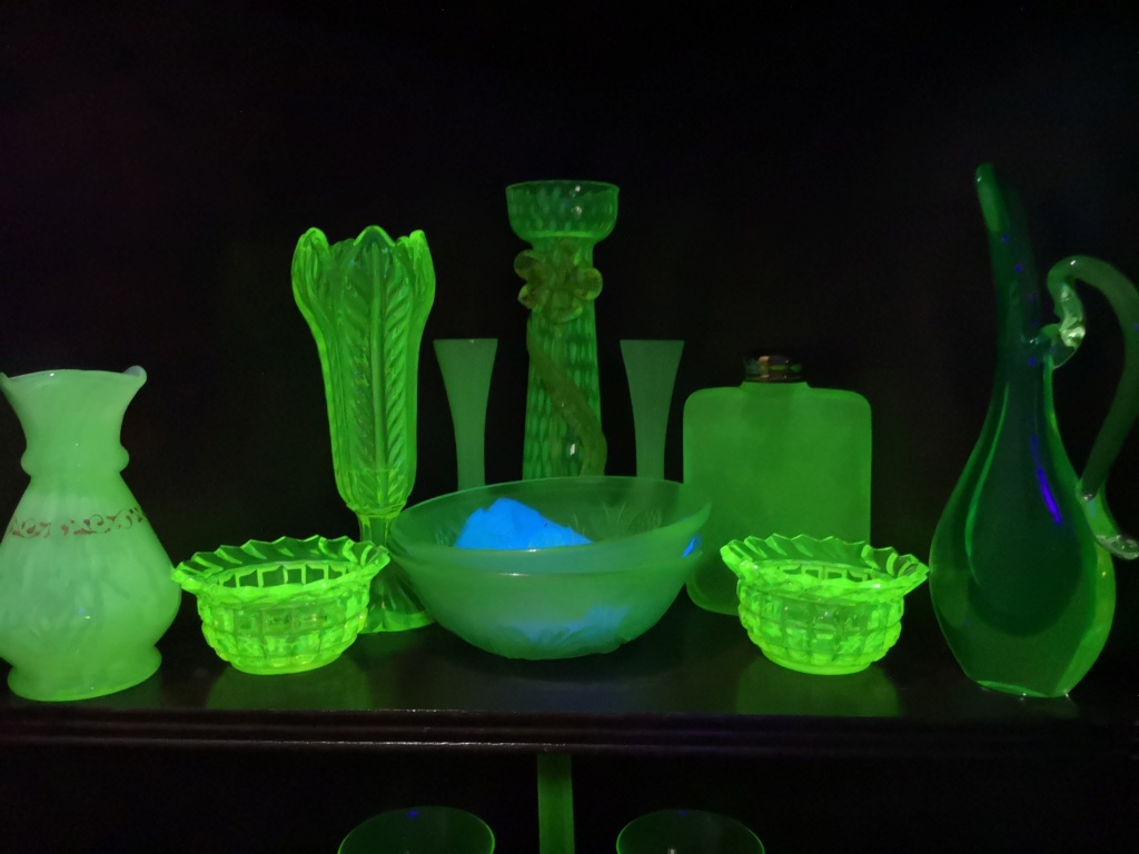 Glass that glows is anyone else a fan ? 15395714
