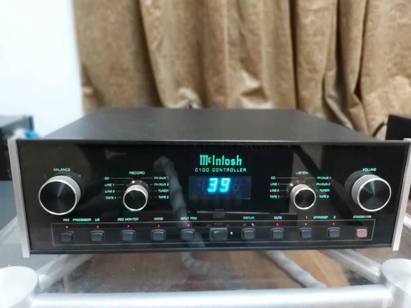 McIntosh C100 pre amp & MC 501 monoblock (used) SOLD Whats135