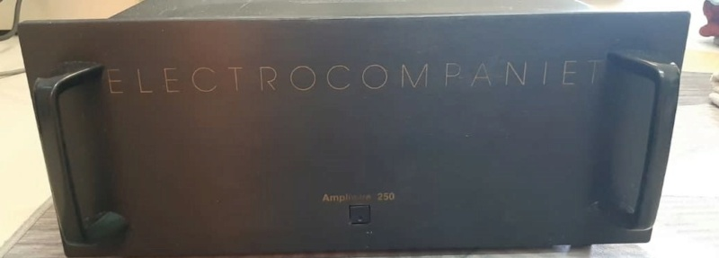 Electrocompanient power amp (used) Whats211
