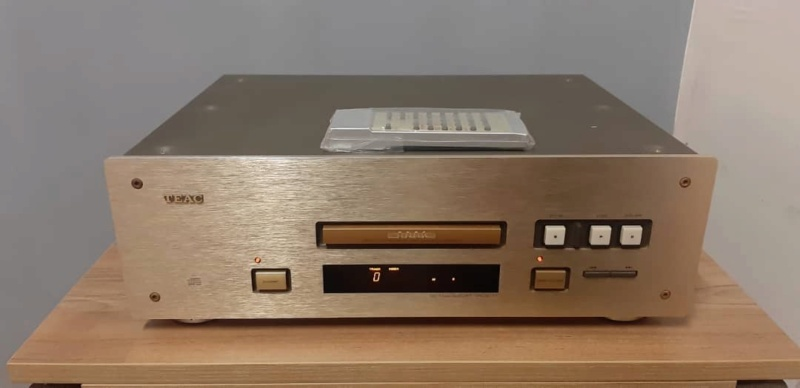 Teac vrds T1 cd transport (used) Whats230