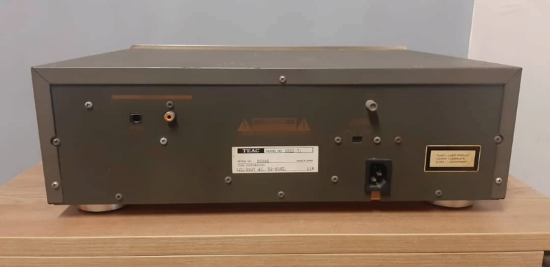 Teac vrds T1 cd transport (used) Whats232