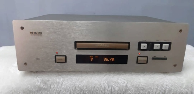 Teac vrds T1 cd transport (used) Whatsa95