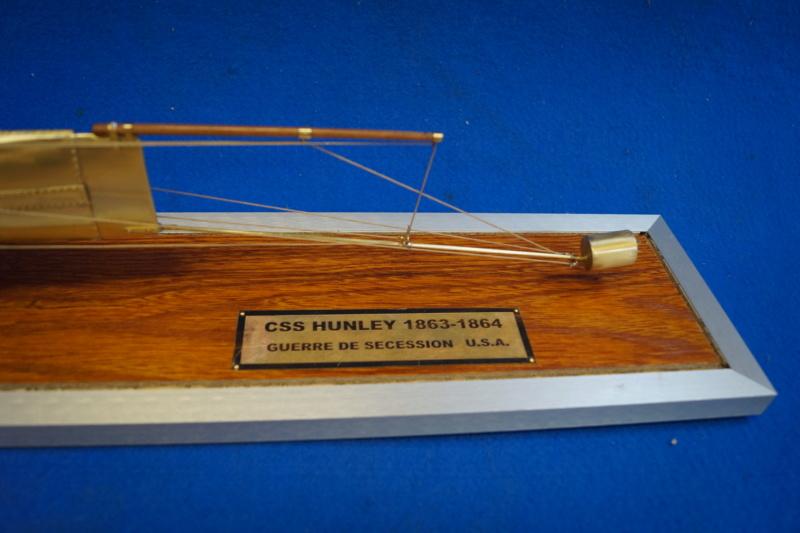 Hunley Sous-marin américain 1863 - Page 10 Dsc05111