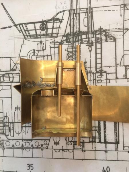 Réalisation du Blaison -ex U123 - en 1/2 coque en laiton . 1/50 ème Img_1818