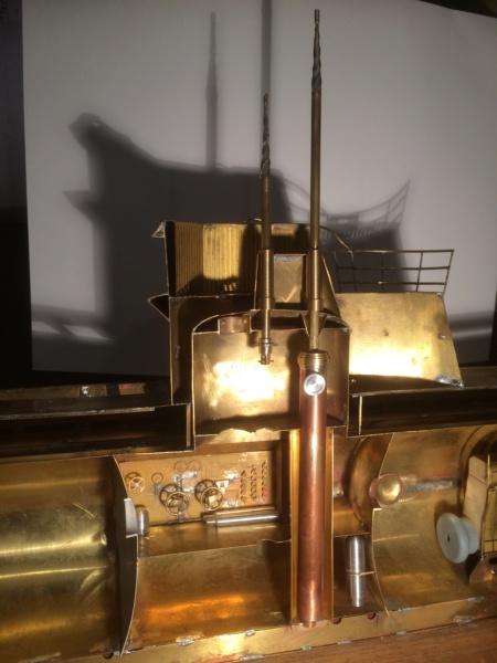 Réalisation du Blaison -ex U123 - en 1/2 coque en laiton . 1/50 ème Img_2610