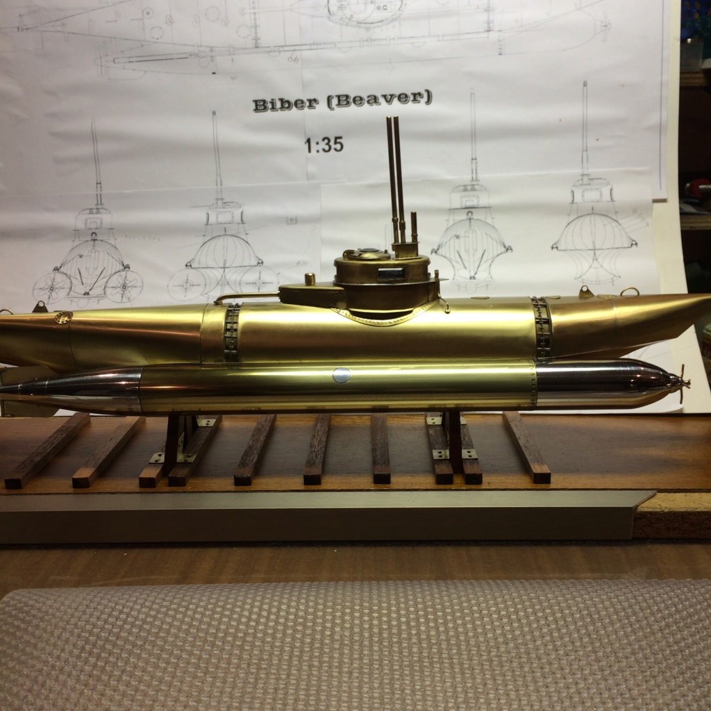 Sous-marin le Biber 1/20 sur plan - Page 6 Img_7085