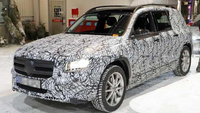 Mercedes está desenvolvendo uma GLB elétrica 2020-m11