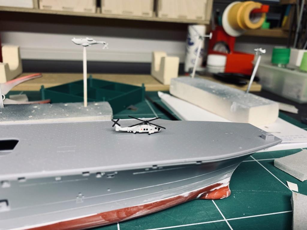 J.M.S.D.F DDH IZUMO FULL HULL SPECIAL - 1/700 HASEGAWA 02510