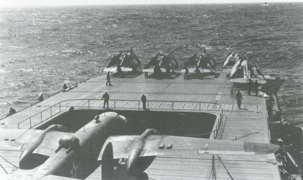 USS HORNET 1/200 MERIT + BIG ED Eduard + MK1 - Page 2 18060510