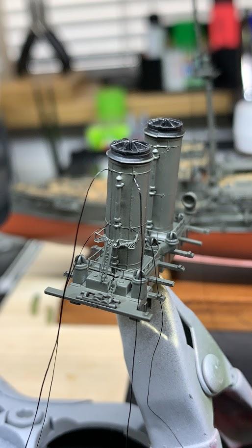 LE MIKASA 1/700 de HASEGAWA full hull + PE + wood deck - Page 2 46983410