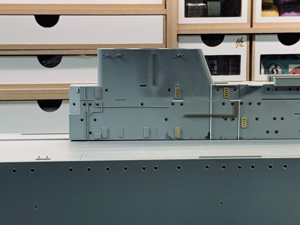 USS HORNET 1/200 MERIT + BIG ED Eduard + MK1 - Page 4 Img_1313