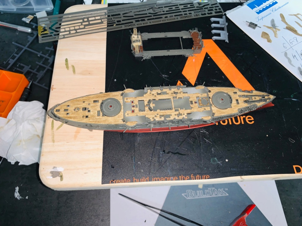 LE MIKASA 1/700 de HASEGAWA full hull + PE + wood deck Img_2529