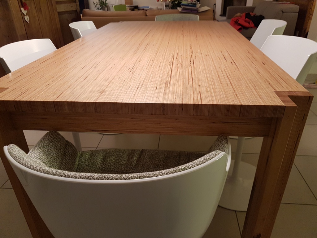 Un exemple de table en Baubuche Table210