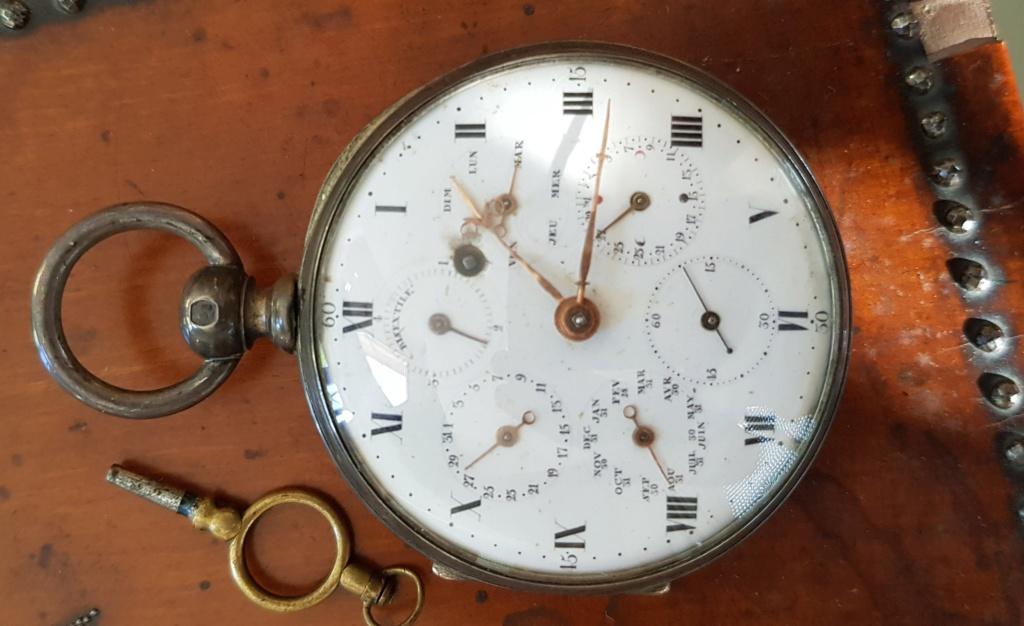 Deux montres anciennes identiques mais mécanismes différents ? 20190726