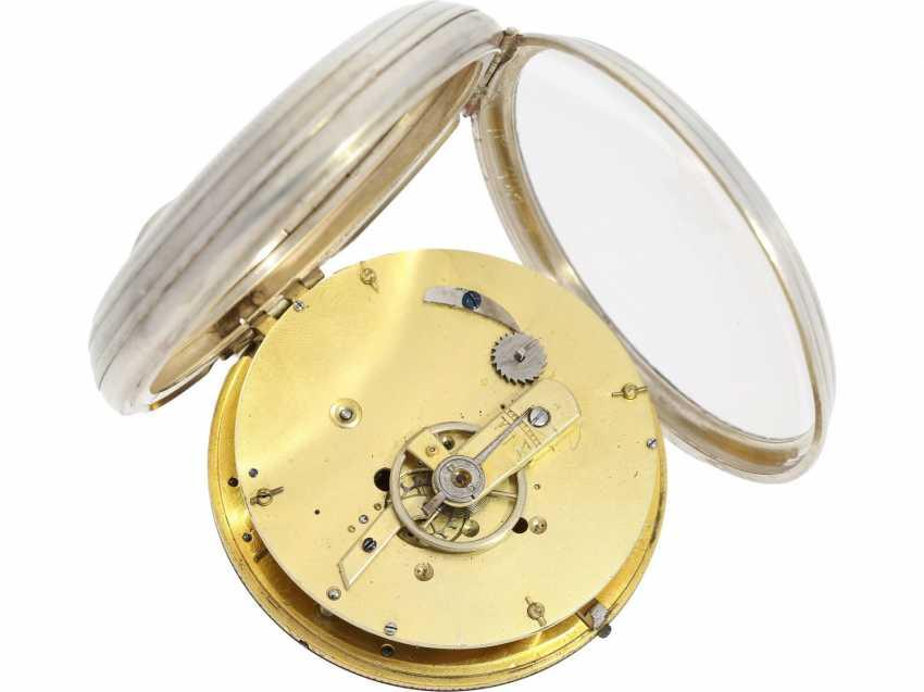 Deux montres anciennes identiques mais mécanismes différents ? 43238010