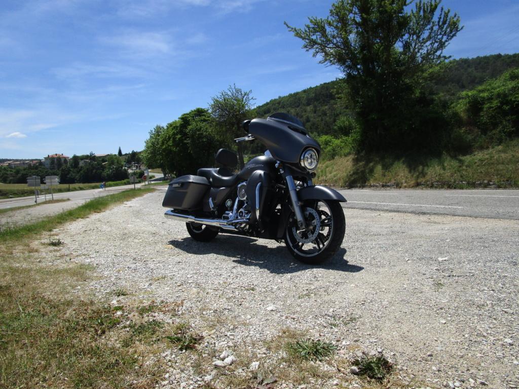 combien de STREET GLIDE  sur le forum Passion-Harley - Page 15 0_210