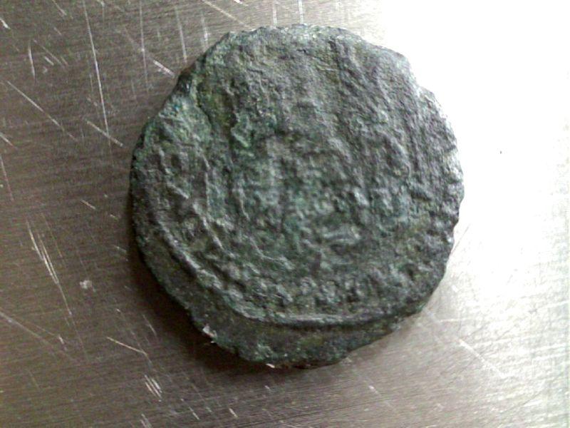 3 monnaies de Constance II ? peut être !!! Webca189