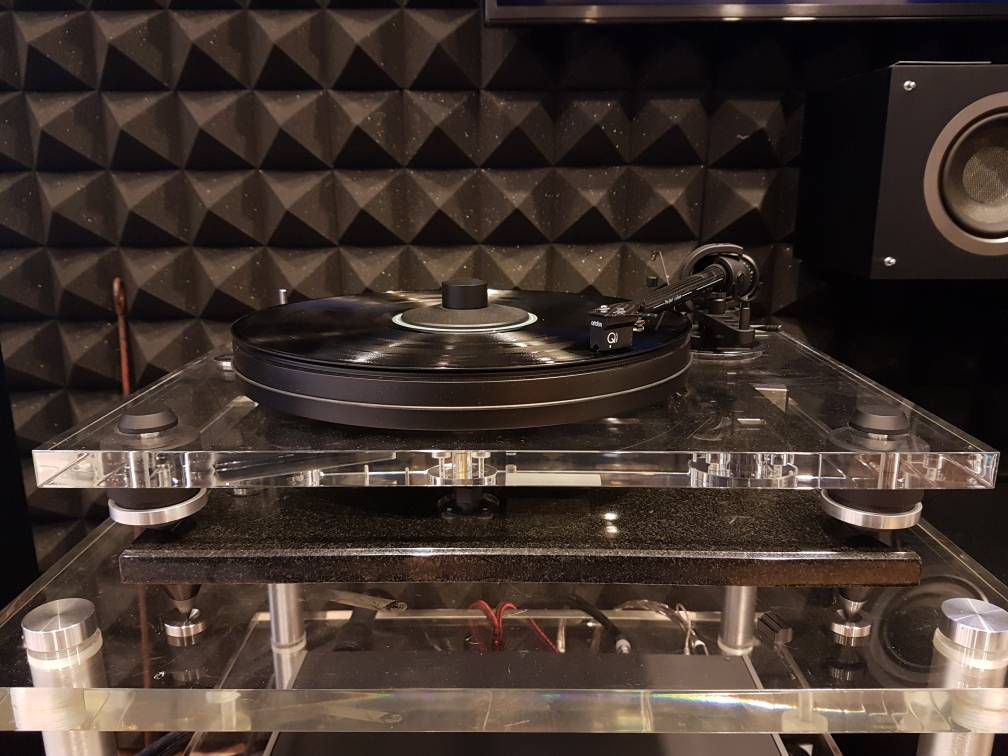 Pro-Ject 2Xperience acryl turntable (Used) Img-2034