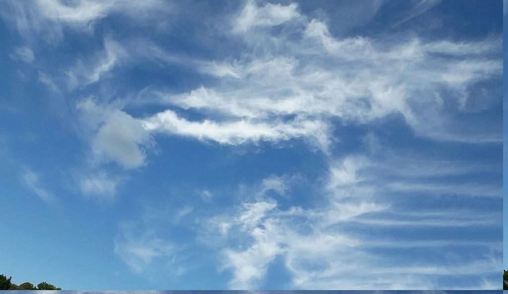 Le ciel va tomber sur notre tête ! (suite) - Page 2 Nuages13