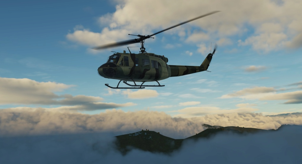 Vol au dessus de la couche nuageuse en hélico... Sans commentaire ! Screen80