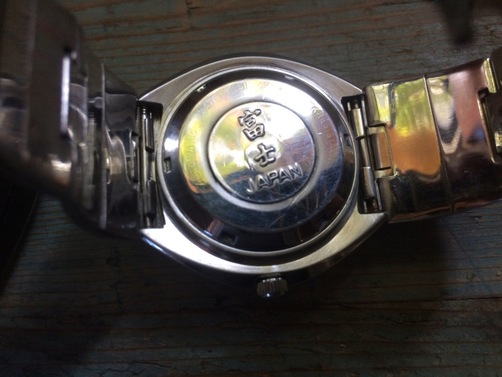 quelqu'un connait 'il les montres Fuji ? Img_0412