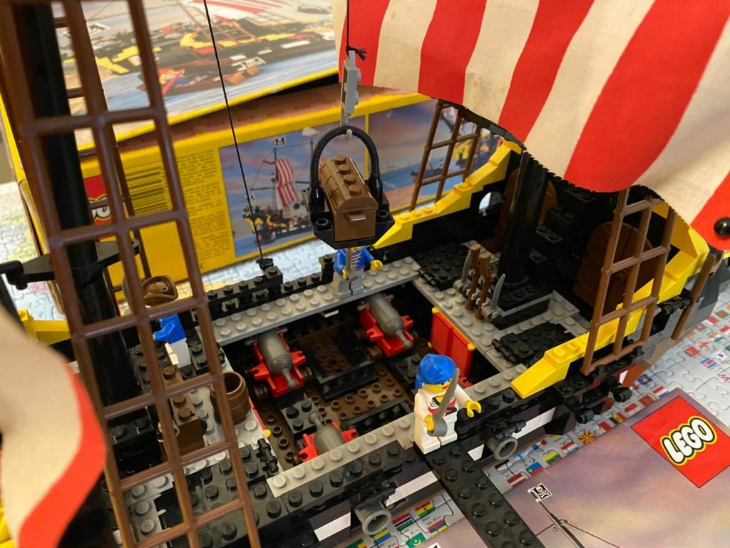 LEGO 6285 Black Seas Barracuda Img-2011