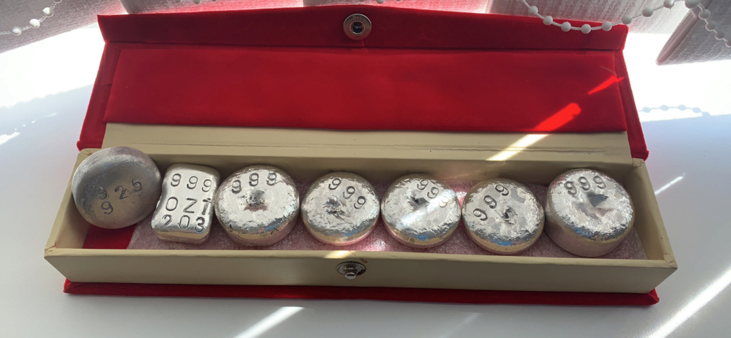 Silver rounds & bars  Ae3d0410