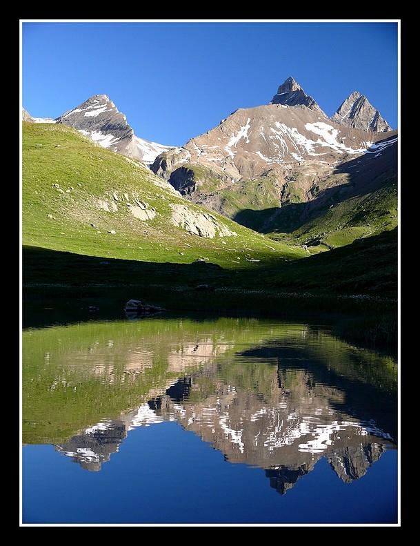 Lacs alpins début juillet P1400213
