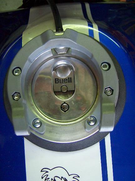 comment se fabriquer un porte-sacoche de réservoir Dsci3316