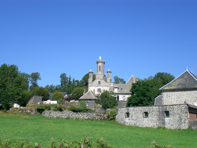 Villes et villages de charme du Cantal Cimg3310
